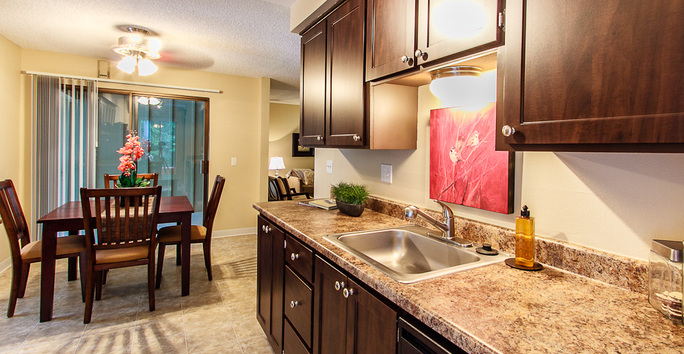 Photo slideshow: Avia Apartments Kitchen