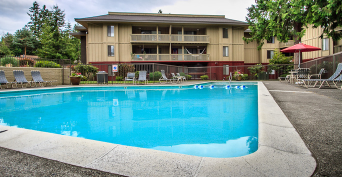 Photo slideshow: Avia Apartments Pool